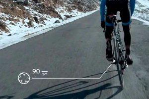 Ciclista entrenando por cadencia