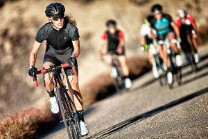 ¿Por qué las mujeres ciclistas deben entrenar la fuerza?