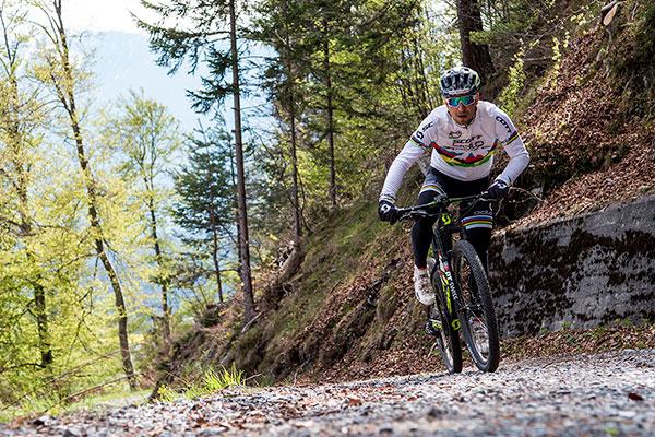 Periodización inversa para ciclistas de montaña de resistencia