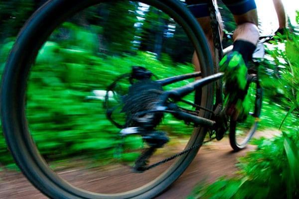 Cuatro ejemplos de entrenamiento de cadencia para ciclistas de montaña